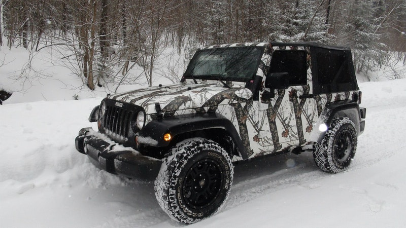 White Camo Jeep : Camo jeep wraps mossy oak skins graphics