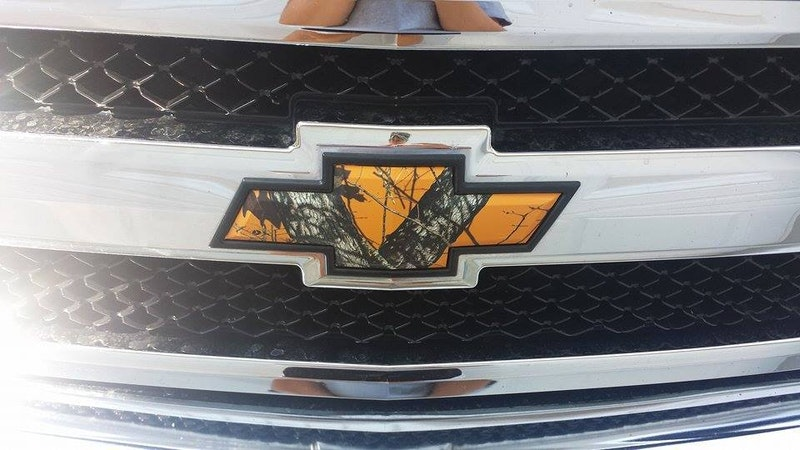 Camo Chevy Bowtie, Ford, Jeep, Ram Emblem Mossy Oak Graphics